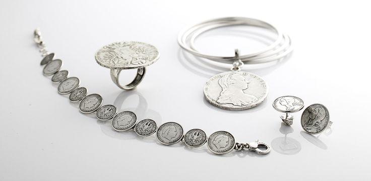 Gioielli in argento. Collezioni Corone, Monete e Stelle. Tesori antichi nel forziere del tempo.  Guarda la gallery Raspini!
