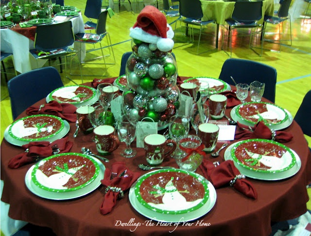 MORE CHRISTMAS TEA FESTIVAL OF TABLES! - lots of inspiration!: Dwell Th Heart, Church Christmas Teas, Christmas Teas Tables Decor, Christmas Centerpieces, Tablescapes Ideas, Christmas Teas Tablescapes, Christmas Theme Tables Tops, Teas Festivals, Christmas Tablescapes