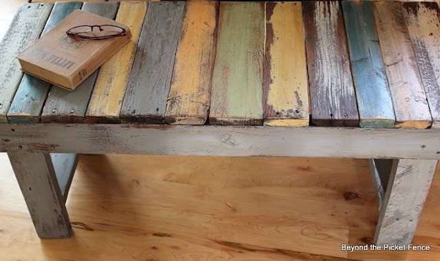 pallet wood bench - awesome tutorial by Beyond the Picket Fence: Diy Pallet, Pallet Projects, Coffee Table, Picket Fence, Pallet Benches, Pallets