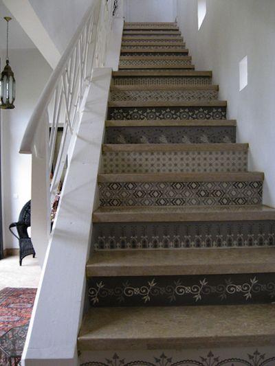 Contre marche pour escalier de la vieille maison                                                                                                                                                      Plus