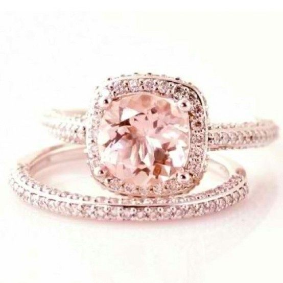 I absolutely love pink diamonds