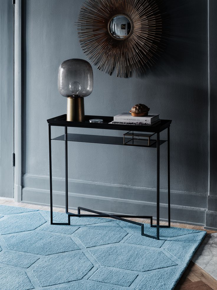 Layered's Entrance rug makes a very striking piece; the perfect statement rug with references to the ever so present Art Deco style. Worldwide free shipping. See more at: http://layeredinterior.com/product/entrance/?attribute_pa_color=misty_sky&image=ent_ms_env#sthash.OQgr8YQI.dpuf