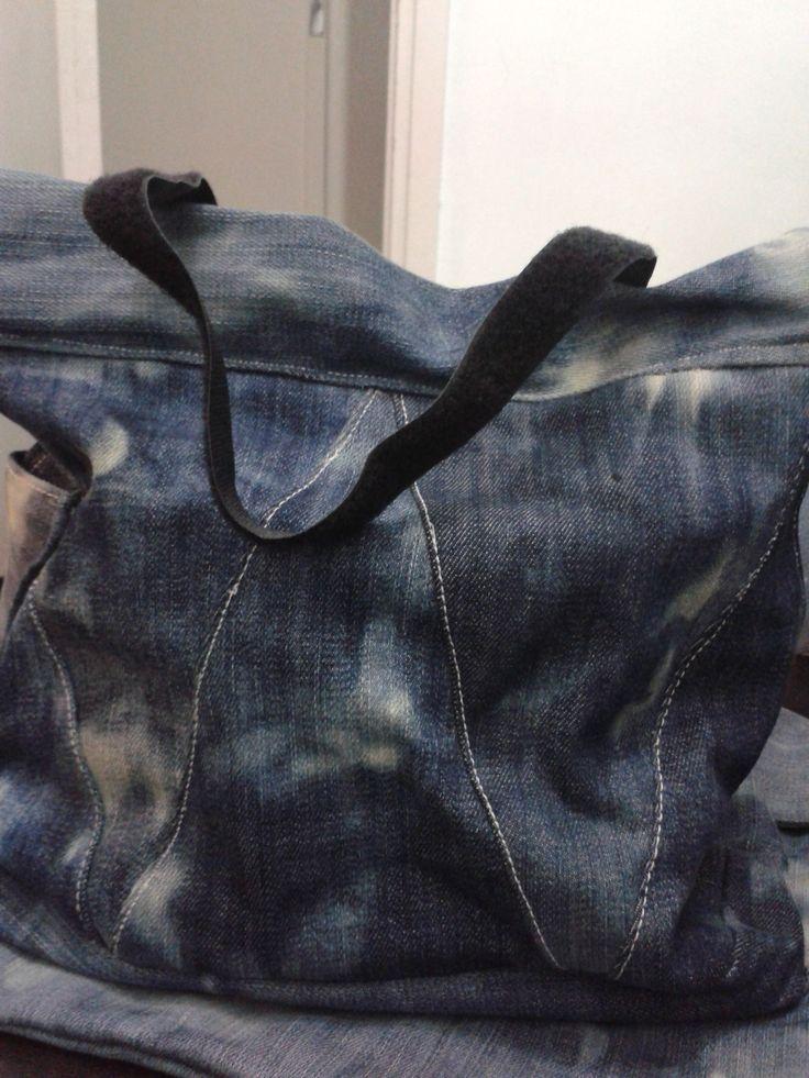 yine kotlardan ve işlemden geçirilmiş çanta