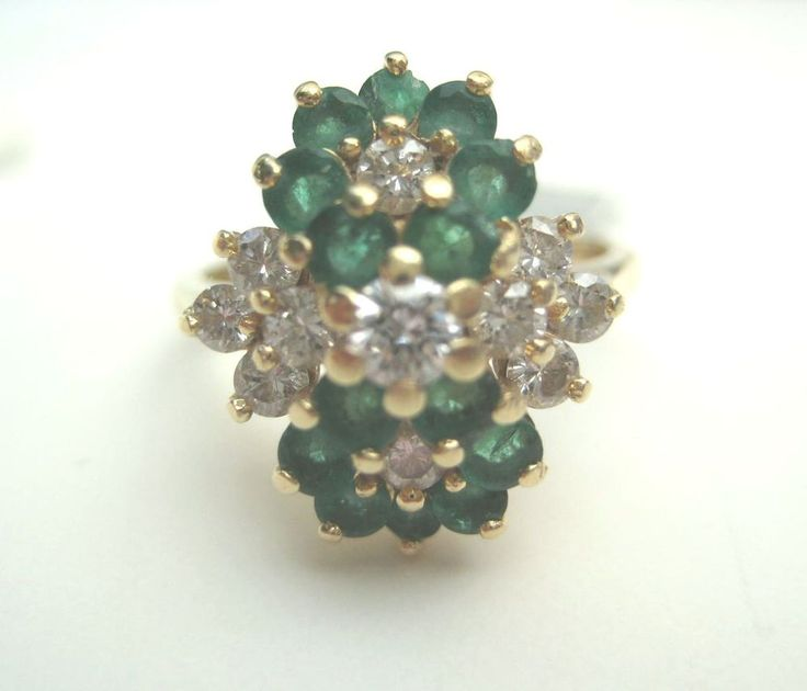 ESTATE DESIGNER SIGNED MAYORS EMERALD AND DIAMOND FLOWER RING IN 14K YELLOW GOLD #MAYORS #Cluster