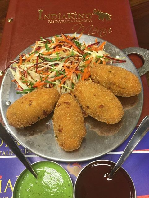 Witamy. Zachęcamy do spróbowania naszych cheese roll: krokietow serowych nadziewanych cebulą i kolendra. India King: http://www.indiaking.pl/