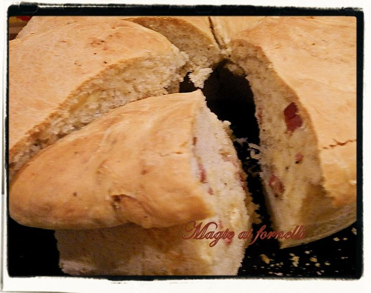 Il tortano napoletano ('o casatiell' )