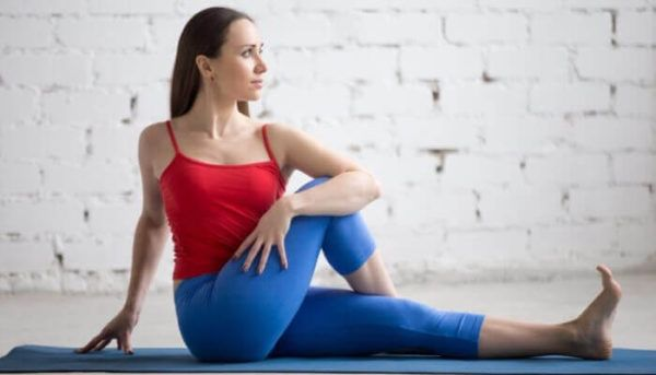 Did you know that certain yoga poses can help with neck and back pain? If you have back and neck pain, practice the yoga poses below to get some relief. Lower Back Pain Relief, Upper Back Pain, Neck And Back Pain, Neck Pain, Pranayama, Kundalini Yoga, Yoga Poses For Back, Easy Yoga Poses, Acro