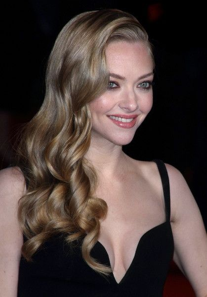 Amanda seyfried blonde hair pity, that
