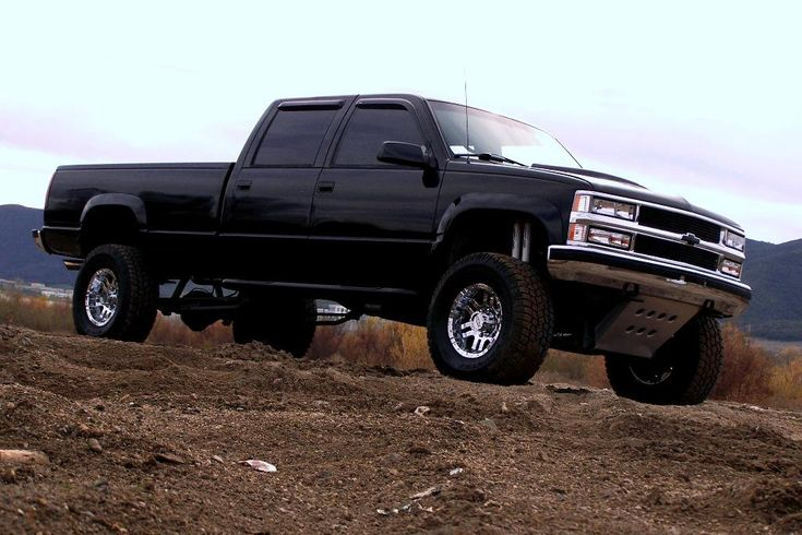 lifted Chevy Silverado trucks