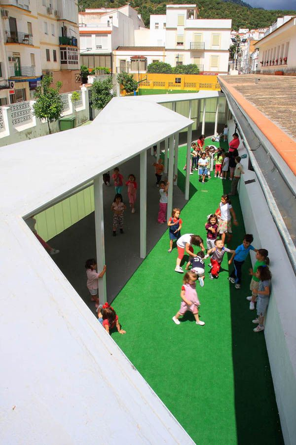 Public school refurbishment by Julio Barreno in Cádiz, Spain