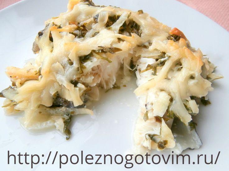Треска, запеченная в духовке со сметаной и сыром  Блюда из трески идеальный для здорового питания. Запеченная треска готовится просто и быстро, получается сочной и вкусной под хрустящей сырной корочкой.