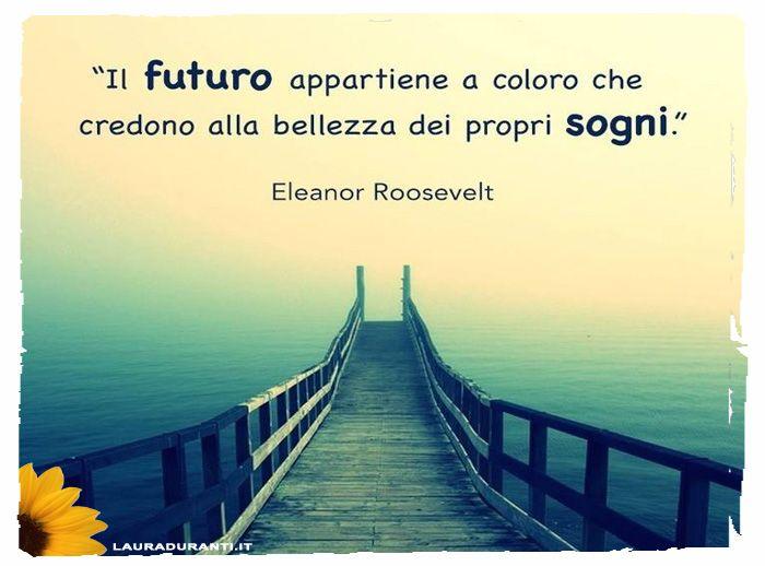 Credi nei tuoi sogni! Non ti arrendere. Sei l'unico che ha il potere di realizzarli. Credi in te stesso e agisci!