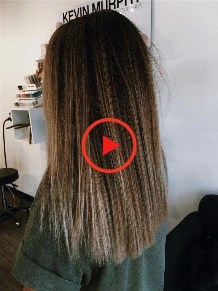 Cheveux Lisses Lisses Naturellement Coiffure A La Mode Style De Cheveux Pou Style De Cheveux Coiffure Mode Coiffure Longue
