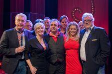 Weer een hele leuke voorstelling gezien, rode loper en podiummoment gefotografeerd!  http://www.theaterparadijs.info/mtp/index.php/muziektheater/1088-jon-zonder-h-al-25-jaar-in-het-vak