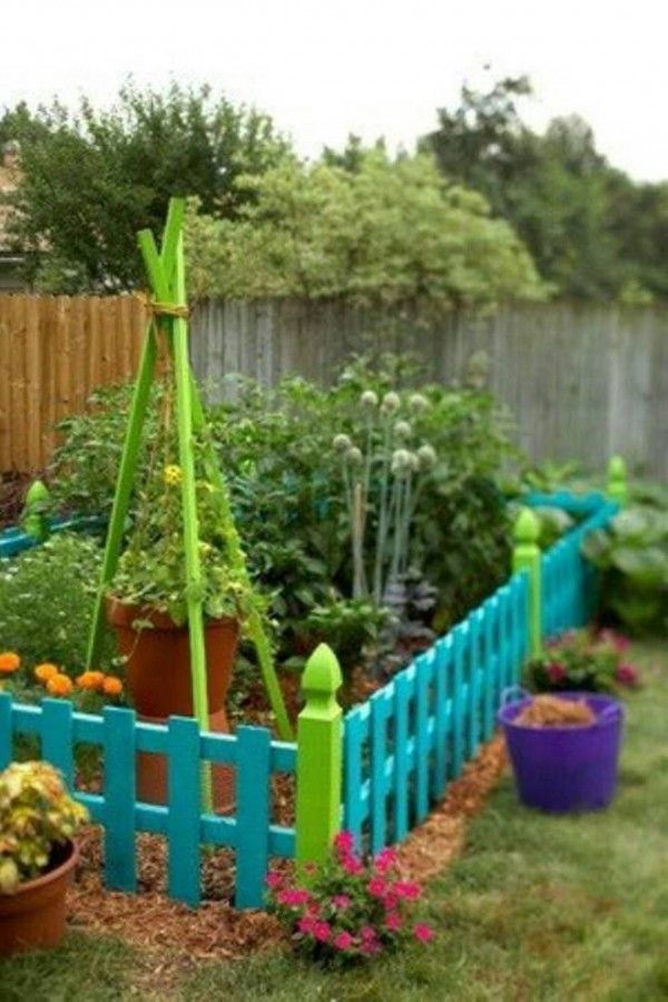 Garden Fence Ideas ~ best parts : inexpensive, easy to do & such fun visually.