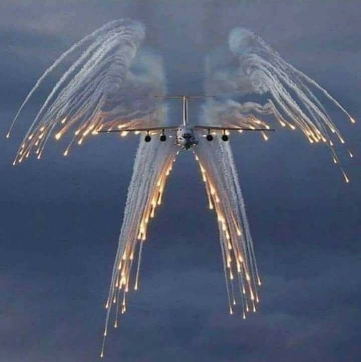 AIRBUS A400M LIGHTING UP THE SKY. WHAT AN AWESOME PHOTO... ROSS.