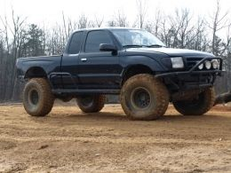 2000 Toyota Tacoma by tlh89 http://www.truckbuilds.net/2000-toyota-tacoma-build-by-tlh89