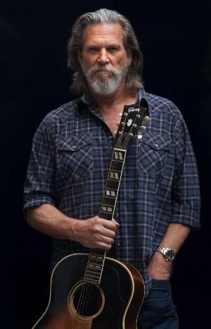 C'est in photo de dieu, ou Jeff Bridges. Je ne sais pas la différence. Cette barbe avec quelques long cheveux sont parfait.                                                                                                                                                      Más