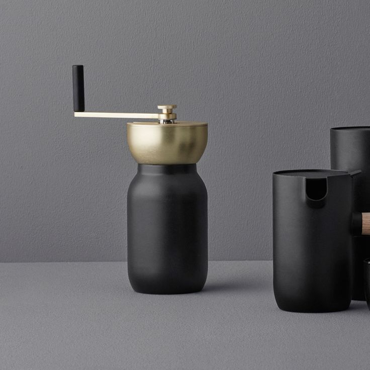 The Italian Something Design Studio have designed the Collar coffee grinder with @steltondesign for coffee lovers around the world and combines Italian craftsmanship with Scandinavian design aesthetics. A great gift for the coffee fanatic in your life!