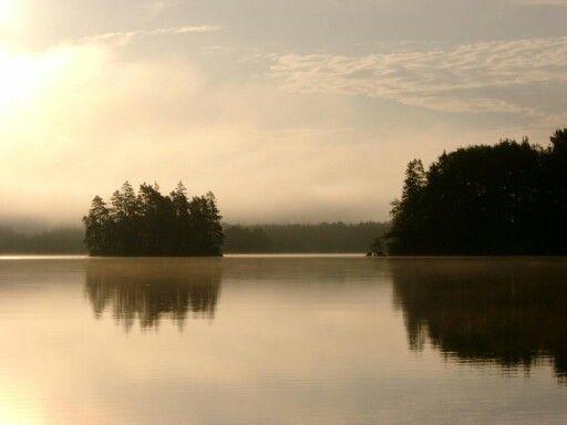 Lake Törn by Vissefjärda /Sweden /Småland  Der Törn ist ein hervorragendes Angelgewässer. Hier kann man u. a. auf Hecht und Zander angeln. Private Unterkuenfte findet man preiswert bei www.ferienhaus-schweden-hsf.com