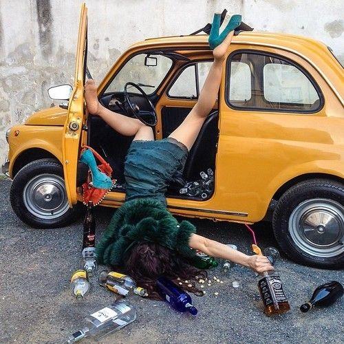 10 fotos artísticas de el momento justo en que una chica se cae