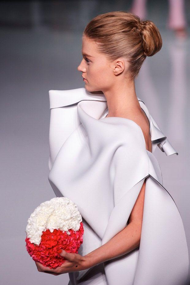 cool chic style fashion: Toni Maticevski | Mercedes-Benz Fashion Week Australia #mbfwa #Geisha inspired uno #chignon quadrato
