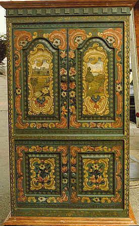TV-cabinet with Bauernmalerei painting