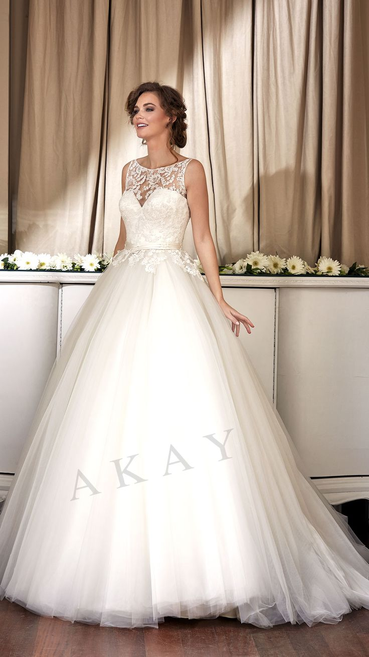Model 16132 LACE - TULLE 2017 KOLEKSİYON PUFF - PRINCESS - BOAT NECKLINE Wedding Dresses