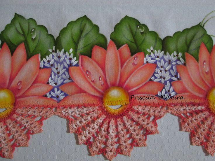 Este é o campeão de vendas, o crochê pintado dá todo um charme na peça, em qualquer cor da flor, o efeito é sempre o mesmo... mais e mais pedidos...    Pano de prato estilotex ( alta qualidade) e crochê com linha Cléa