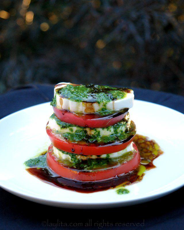 Tomato mozzarella caprese salad - Laylita's Recipes