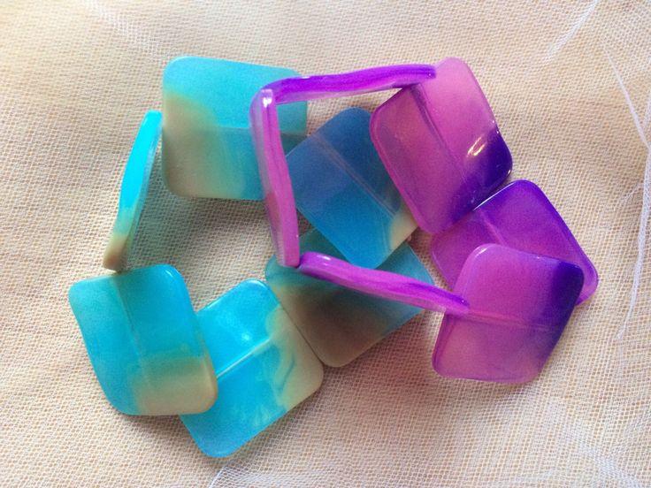 Plastic marble bracelet di TheCreamTeaShop su Etsy https://www.etsy.com/it/listing/222561583/plastic-marble-bracelet