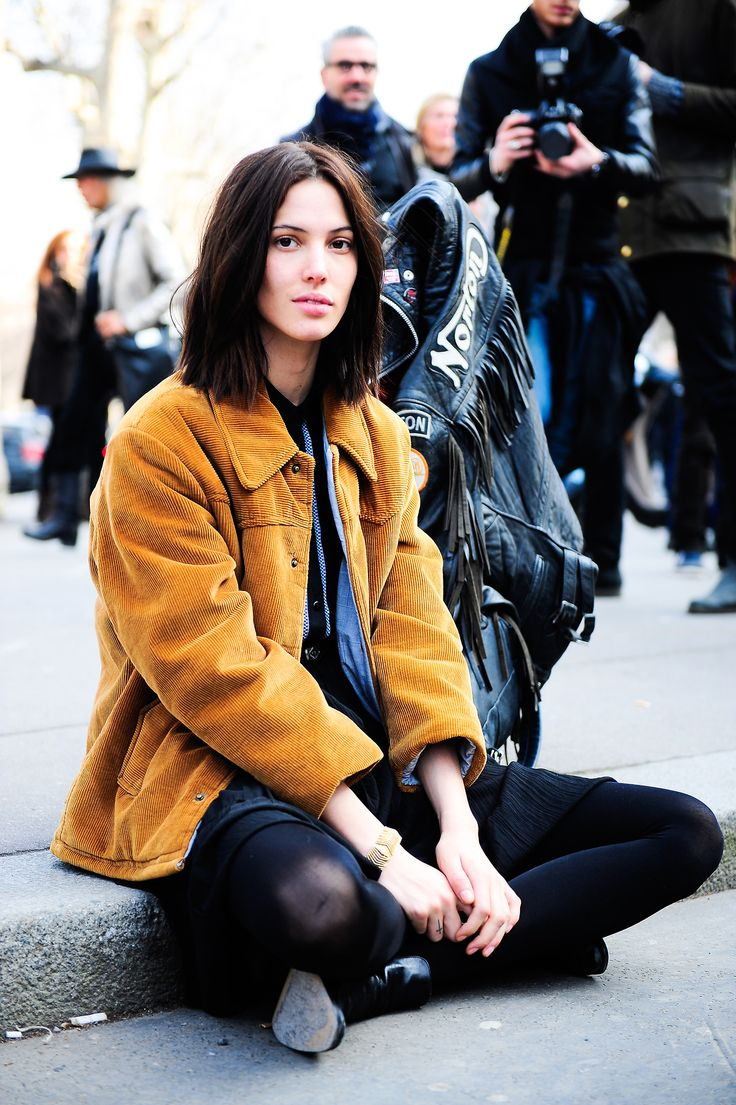 giack-it:    Ruby Aldridge waiting for her driver to arrive after C'N'C   Photo by Giacomo Cabrini.