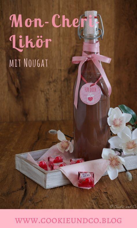Rezept für einen Mon-Cheri-Likör mit Nougat. Er schmeckt schokoladig, ist sehr süffig und hat eine leicht fruchtigen Note. Mit den bekannten Pralinen aus Schokolade und Füllung mit Kirsche. #MonChéri #Kirschen #Likör #homemade #Valentinstag #valentine #Geschenke #selbstgemacht #Nougat #Amaretto #Schokolade #Thermomix #Rezept