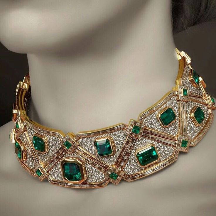 @veschettijewelsitalia Here is our magnificent Marina B emerald and diamond choker