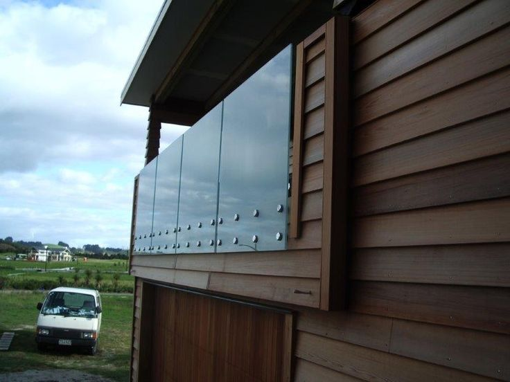 NZ Glass is installing attractive Glass Balustrade system in NZ.