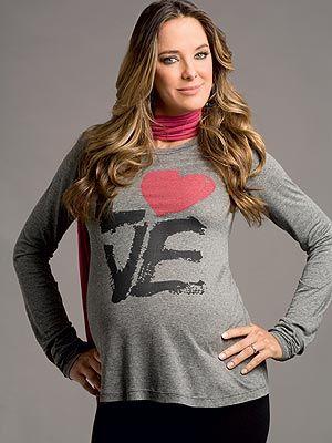 Para ajudar as gravidinhas, selecionei algumas imagens de looks de grávidas famosas para inspiração.
