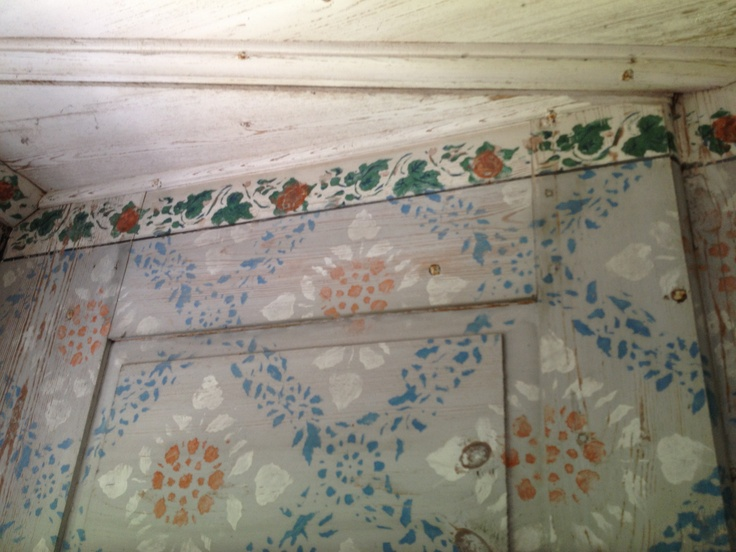 Amazing wall paintings from 1855 in a decorated farmhouse in Hälsingland, Sweden.