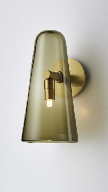 Australian-made, handcrafted timeless architectural lighting design. Articolo's founder and design director, Nicci, has over 25 years experience in the world of design. She established the Articolo architectural lighting brand in 2012.