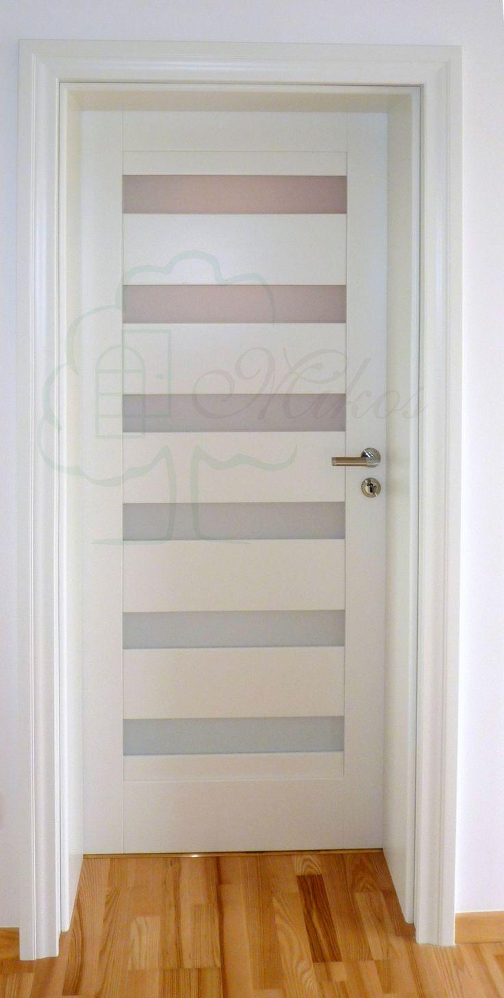 Nowoczesne drzwi białe drewniane