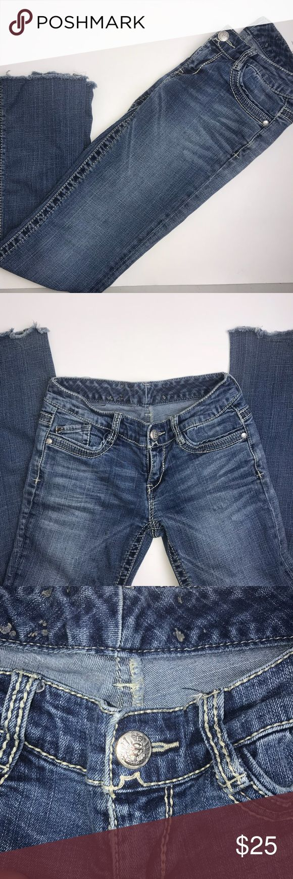 Seven7 Jeans size 25 Seven7 Jeans size 25  Waist 🔴25 Length 🔴36 Inseam 🔴28  Hips🔴29 Leg Opening 🔴8.5                                                                         Unfinished Ankle Opening. Light colored thick stitching and decorative back pockets with rhinestones. Pre-owned, No Pilling, Stains or Rips Seven7 Jeans Flare & Wide Leg