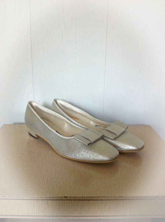 Vintage 1960s Silver Daniel Green Slippers House Shoes. 17 Best ideas about Daniel Green Slippers on Pinterest   Vintage