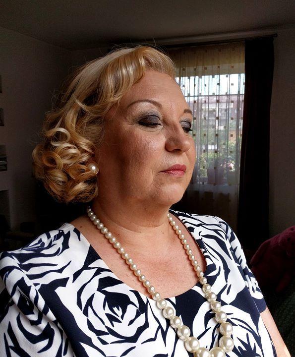 Makeup for my auntie. :)   #makeupbyme #makeupheat #mymakeup  #auntie #aunt #makeupartist #life #weddingparty #50s #wedding  Products from: @maccosmetics @toofaced @makeupatelierparisofficial @atelierparisbucuresti @makeupforeverofficial