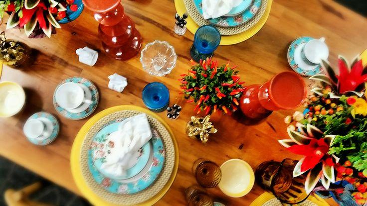 Mesa sempre colorida: uma atração a parte para o seu jantar.