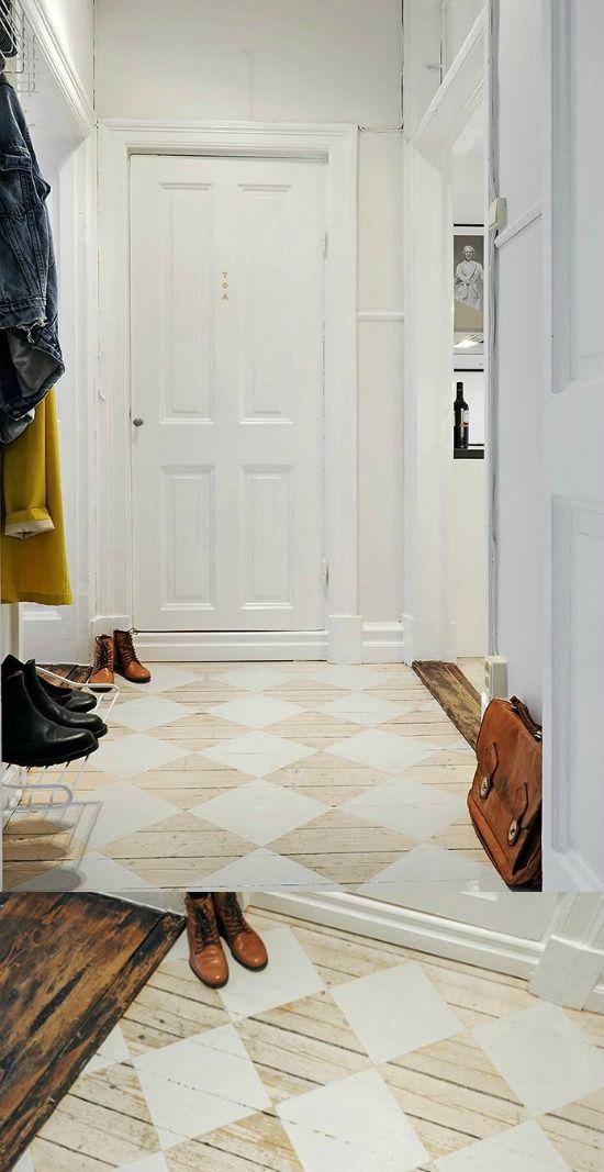 houten-vloer-met-witte-ruiten-geverfd