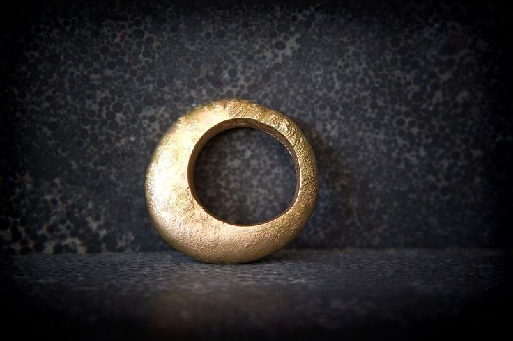 jennykaberg | 18k gold Recycled ring