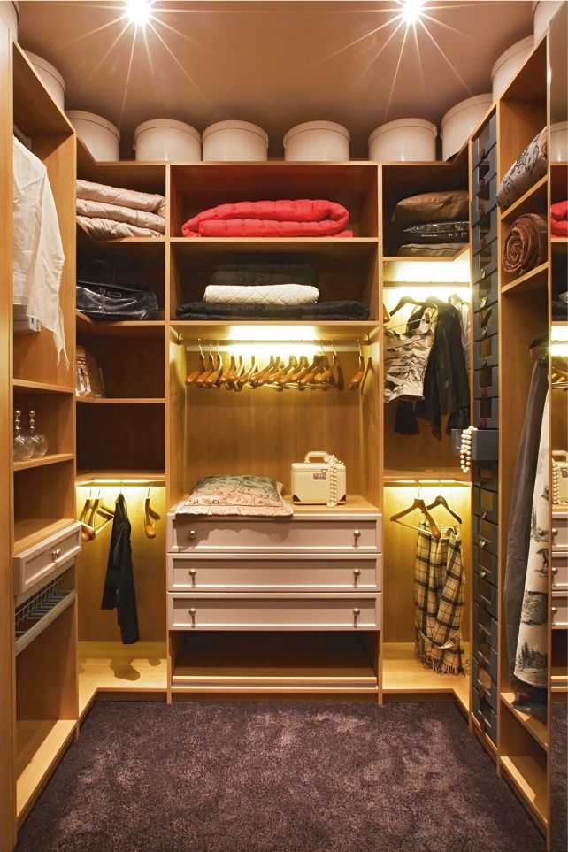 Die besten 25+ Begehbarer kleiderschrank beleuchtung Ideen auf - begehbarer kleiderschrank modular system