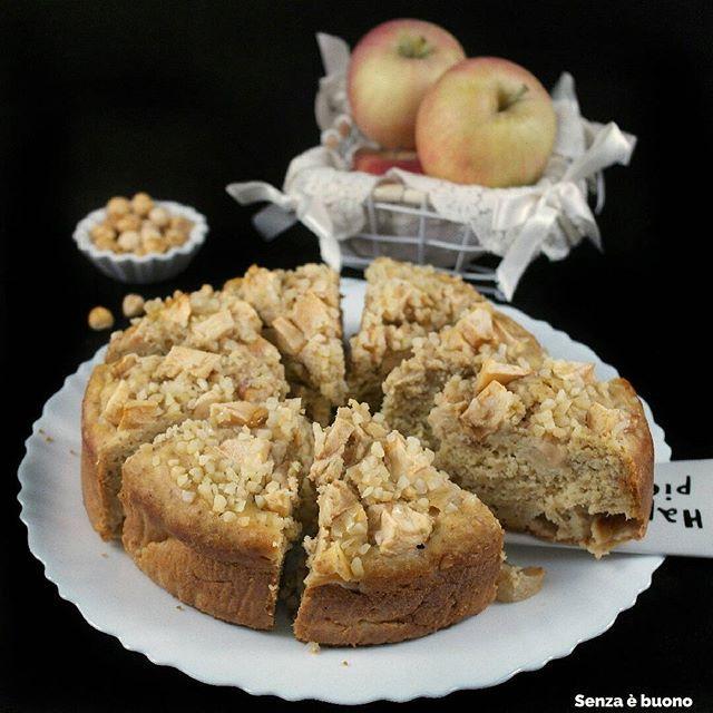 Torta di mele #senzaglutine #senzazucchero #senzalatticini, dolcificata con datteri e mele