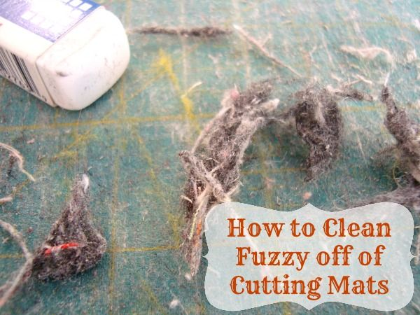 How to Clean Fuzzy off of your Rotary Cutting Mat |patchwork posse #quilting