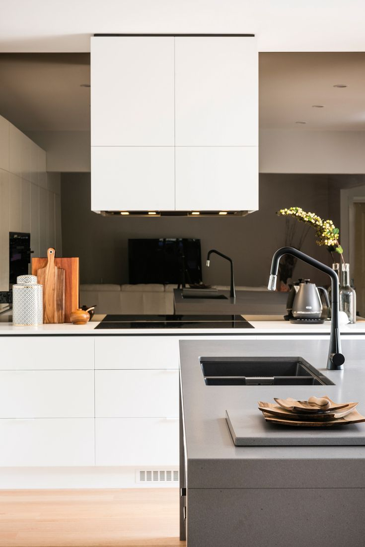White Kitchen Mirror Splashback