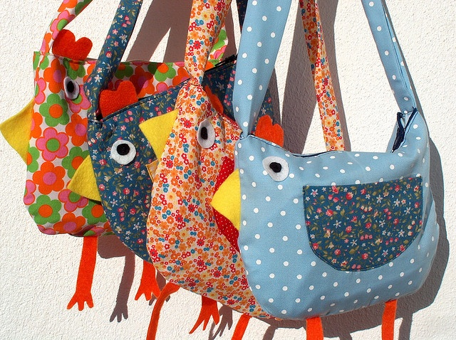 Chicken bag. Soooo cute! @Cassie Kwant you may need to make this for me sometime, dear. ;)